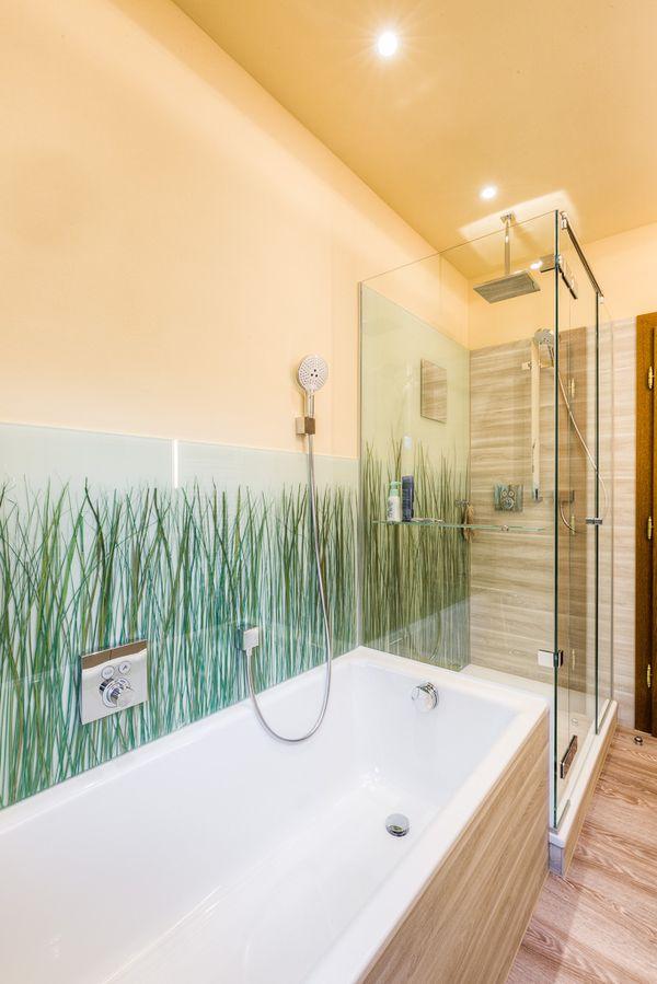 Sanierung Badezimmer Badewanne und Dusche