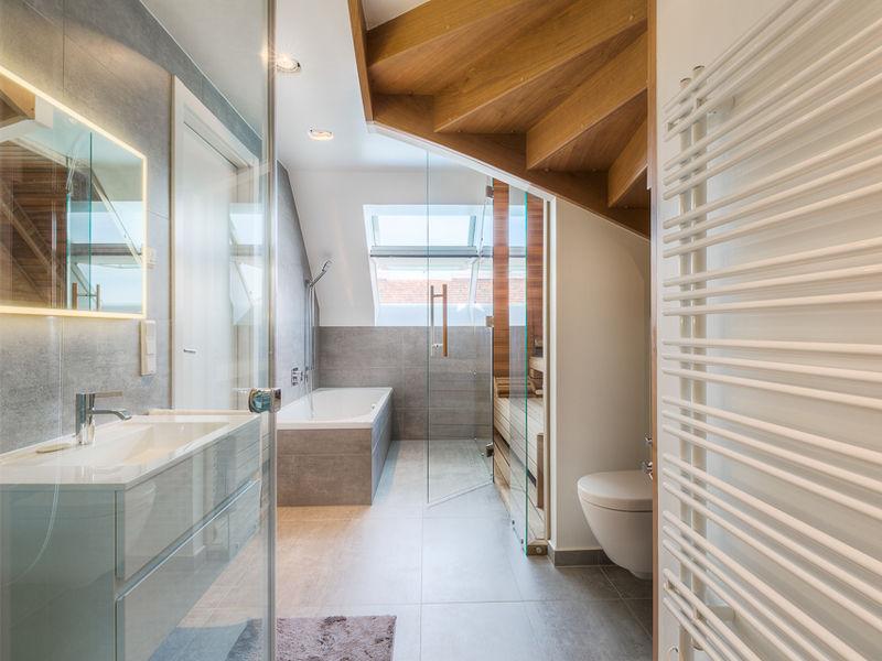 Dachgeschosswohnung Badezimmer Innenarchitektur