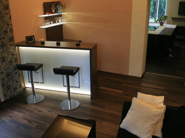 Wohnzimmer mit Bar Innenraumgestaltung