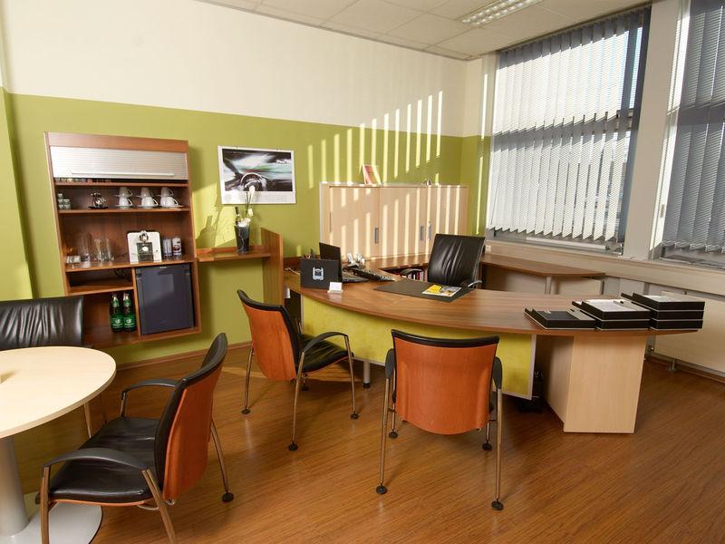 Autohaus Büro Innenarchitektur