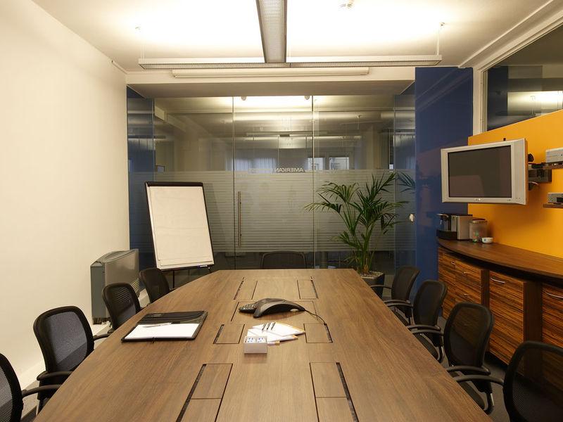 Büroinnenraumplanung Besprechungsraum