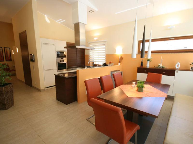 offene Wohnraumgestaltung - Küche und Essbereich