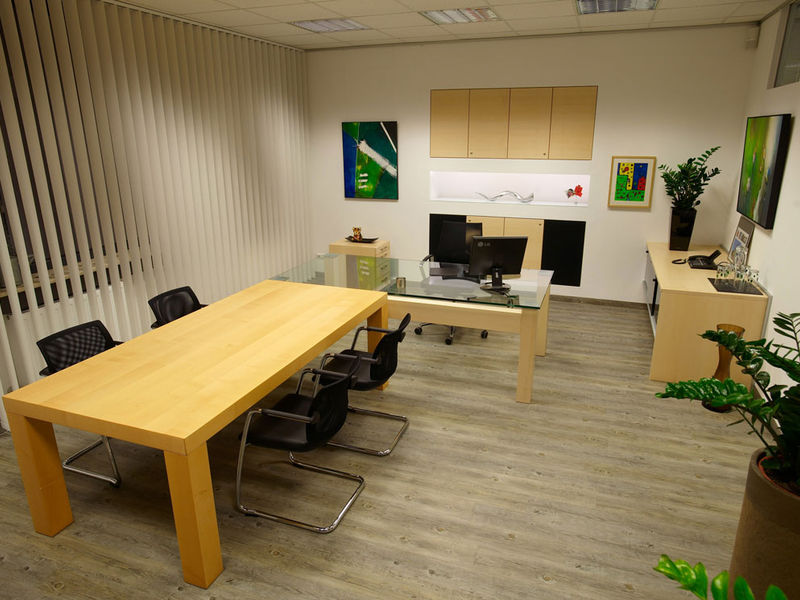 Büroraum Besprechungsplatz Komplettlösung