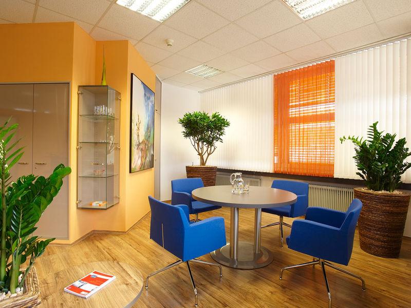 Besprechungsplatz im Einzelbüro Raumgestaltung