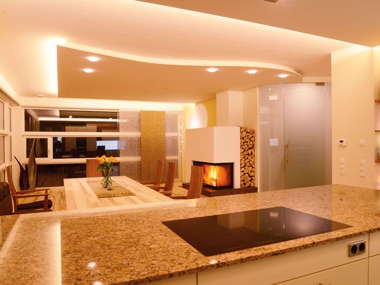Innenraumgestaltung offener Wohnraum / Küche