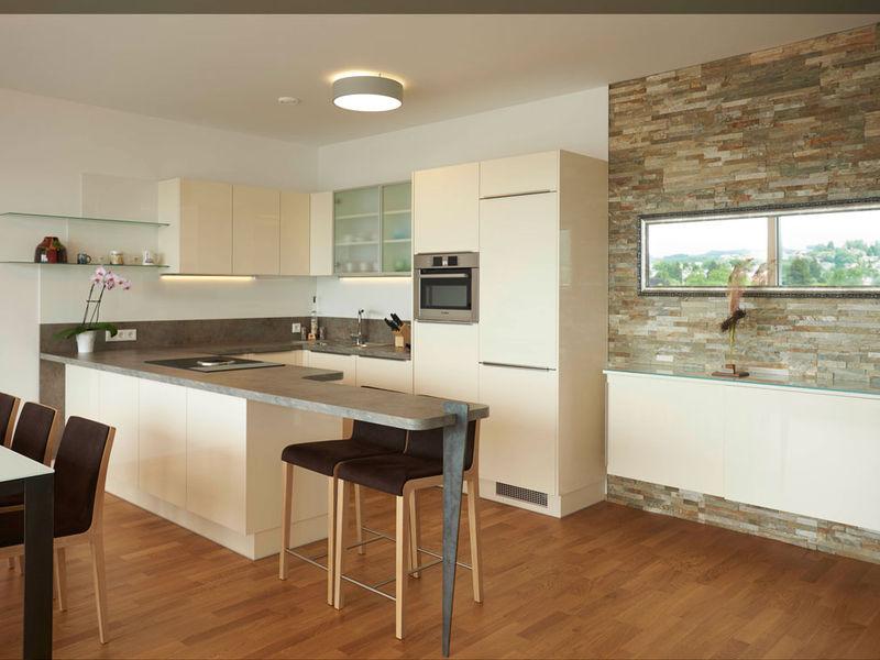 Küche mit Bar Innenarchitektur