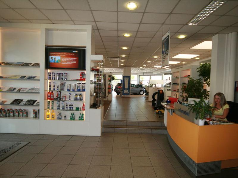 Autohaus Innenarchitektur
