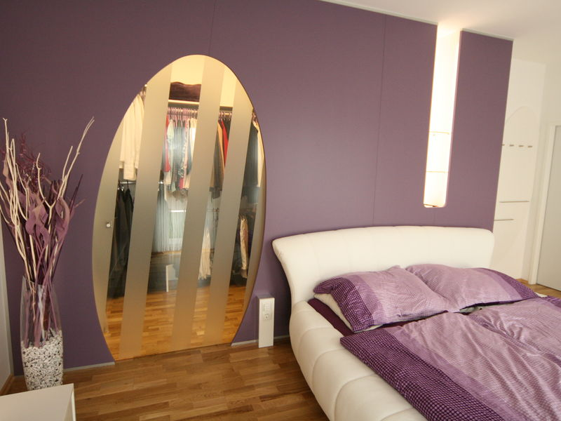 Schlafzimmer mit Schrankraum Wohnungsumbau