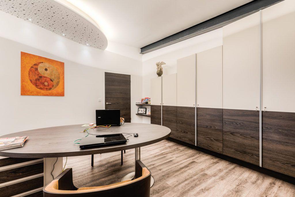 Buero Nuernberg Innenarchitektur Krueger1 1024x683 - Das Kunststück: eine Wohlfühloase in einer Stahlträgerhalle integriert