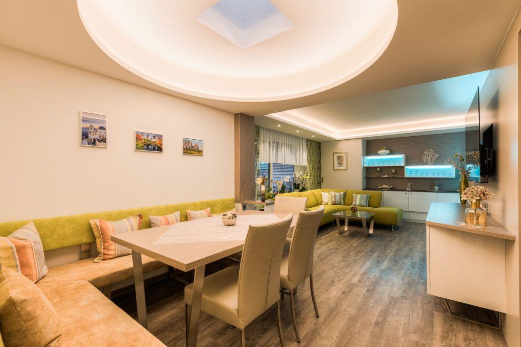 Esszimmer Linz Renovierung Kern2 1024x683 - Das perfekte Wohnzimmer –</br>Farben, Materialien, aktuelle Trends