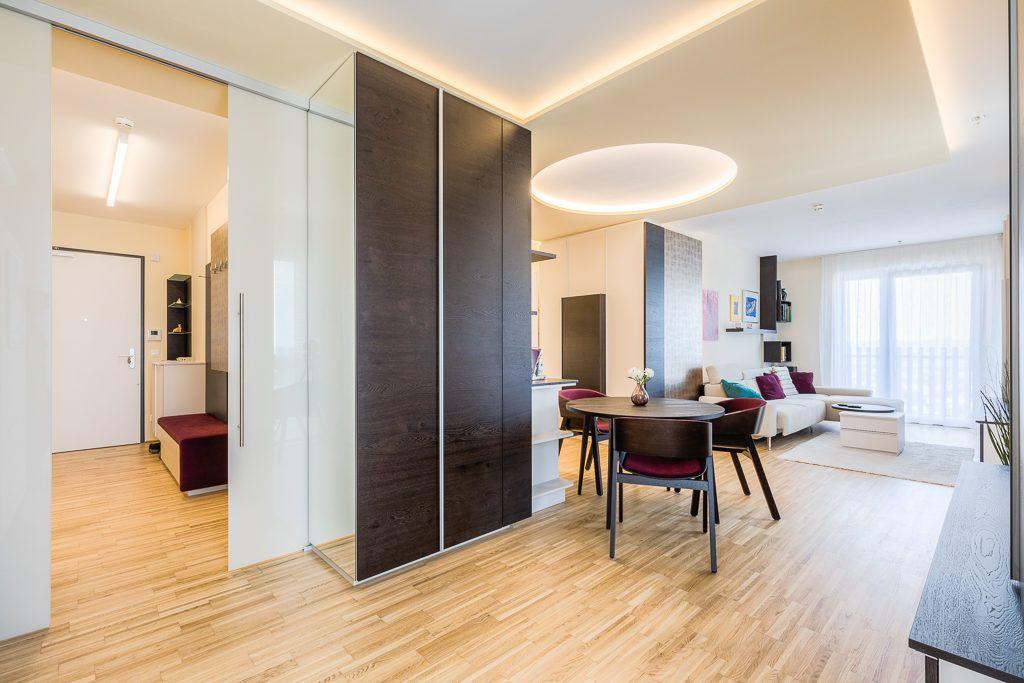 Vorraum St.Poelten Renovierung Lang3 1024x683 - Kleine gemütliche Wohnung mit viel Funktion