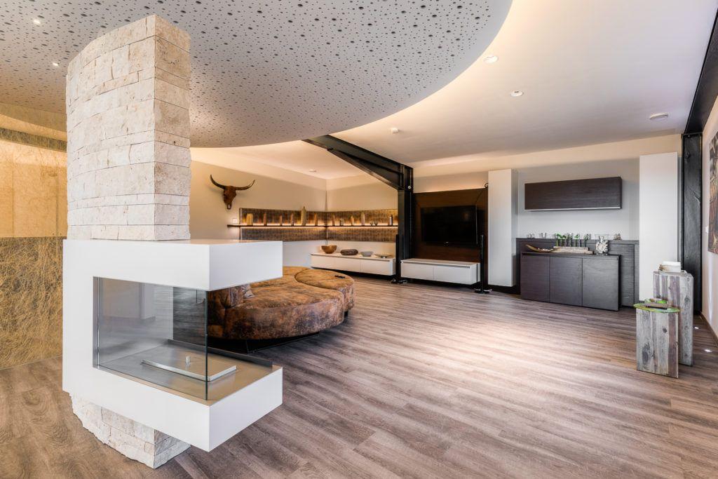 Wohnzimmer Nuernberg Innenarchitektur Krueger4 1024x683 - Das Kunststück: eine Wohlfühloase in einer Stahlträgerhalle integriert