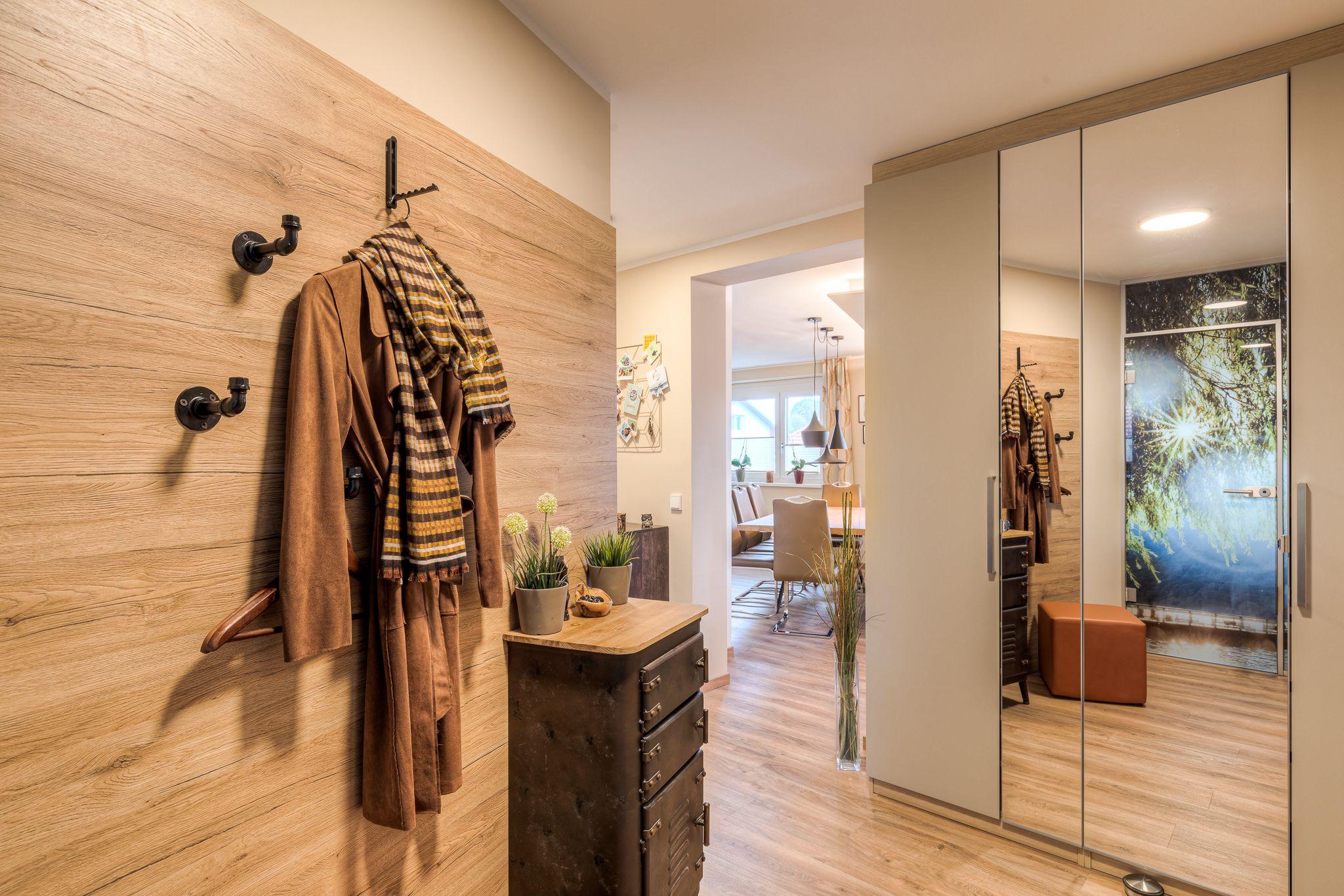 Garderobe altes Haus renovieren Steiner2 - Wie man alten Häusern neues Leben einhaucht