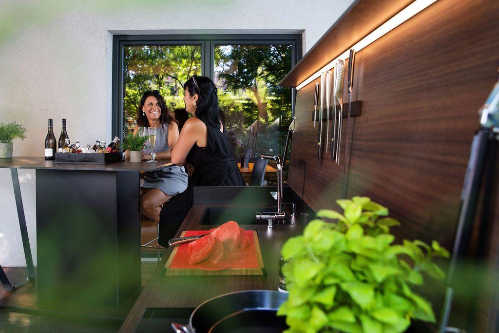 Outdoor kueche2 1 - Eine Neuheit unter den Outdoorküchen: Die Grillbar
