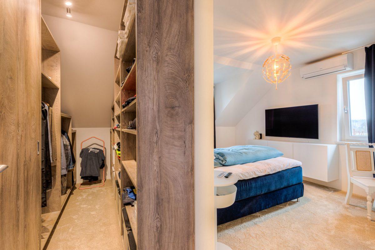 Schlafzimmer und Ankleidezimmer nach Umbau