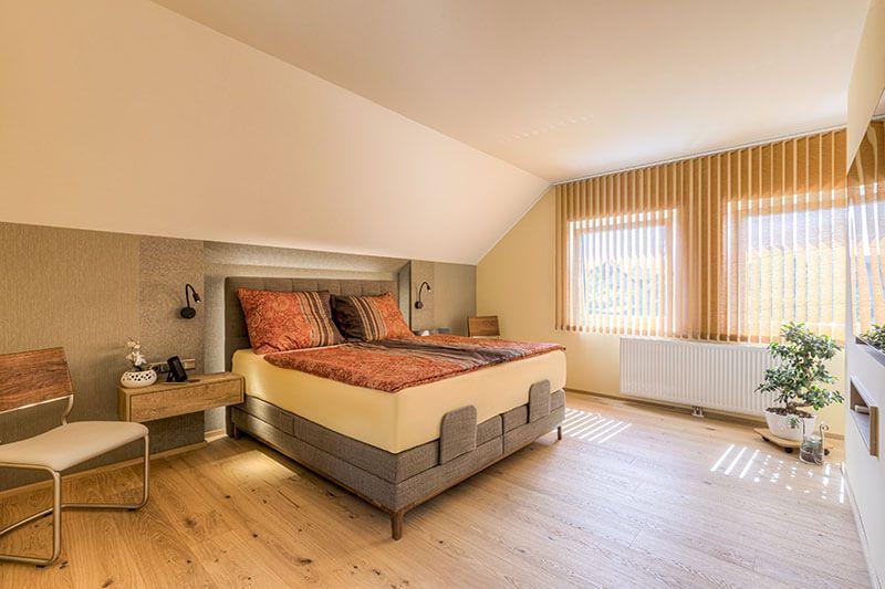 Steiner 06 21 300dpi 002 - Kreativer Dachgeschossausbau mit Hotelfeeling