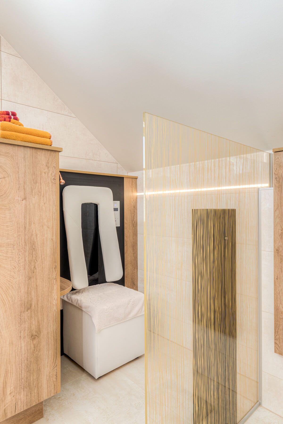 Steiner 06 21 72dpi 014 - Kreativer Dachgeschossausbau mit Hotelfeeling